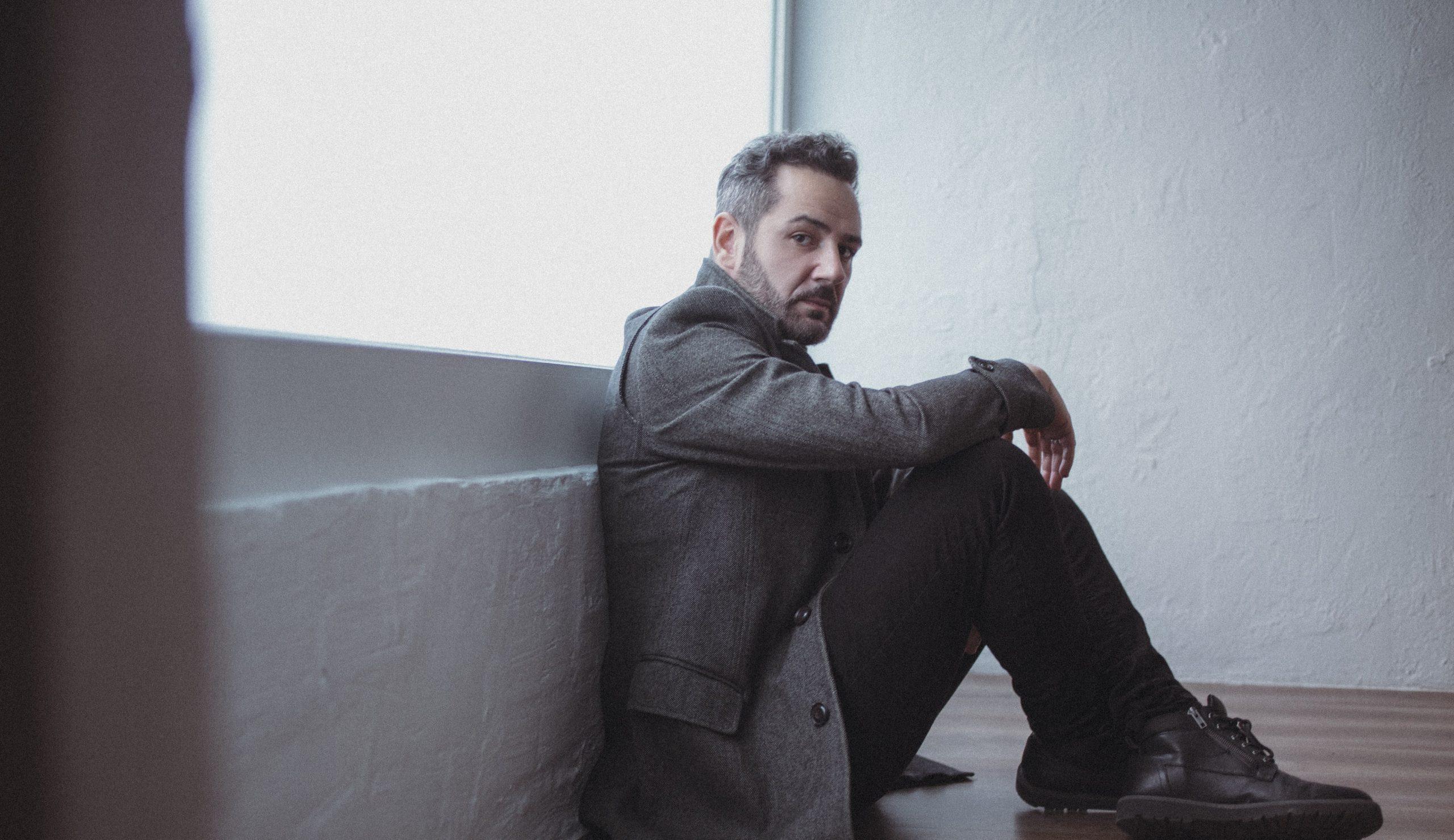 Alejandro Parreño, cantante y líder de Nómada